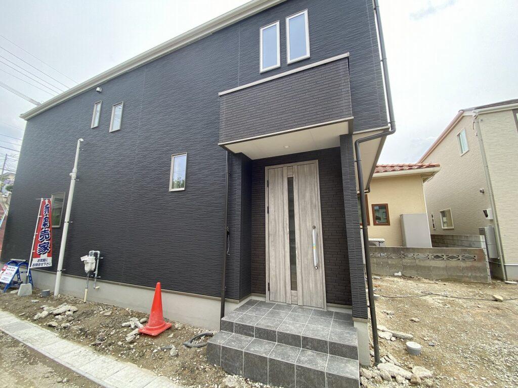 【新着】南区中尾2-25-6 新築戸建て☆